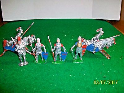 Vintage lot of 6 Lead Toy Medieval  Knights made in England