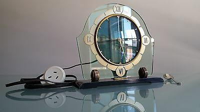 Art Deco Clock, Sectric By Smiths, Classic Style, Electric, Working Order. Nice.