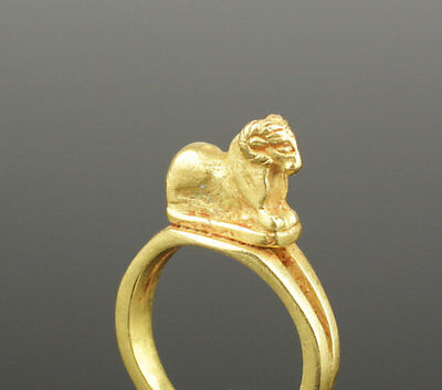 Ancient Roman Gold Ring With Ram - Circa 1St/2Nd C Ad