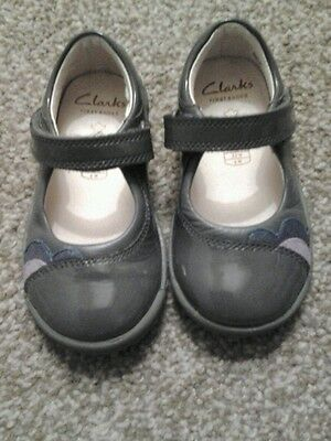 Clarks Baby Girl First Shoes Size 5.5 G - Grey Leather - Still Current - Superb