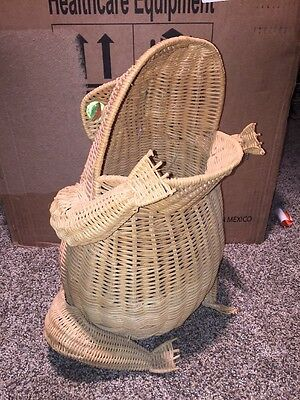 Vintage Unique WICKER Rattan FROG WASTE BASKET TRASH CAN Display Planter 60's