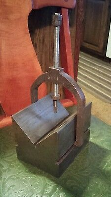V Block with Clamp 4-1/4 x 5-1/2 x 4-1/4