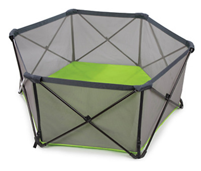 Excellent condition Summer Infant Pop Up Play Pen - collection only (London)