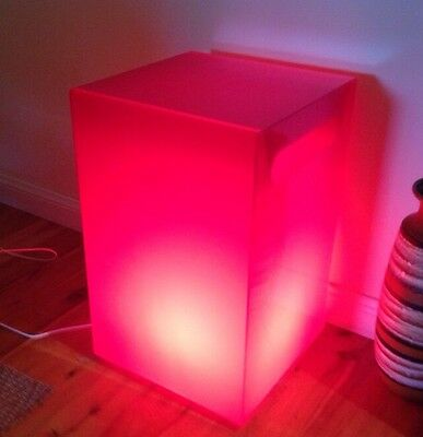 RED SQUARE PLASTIC FLOOR LAMP 56x35x35 cm