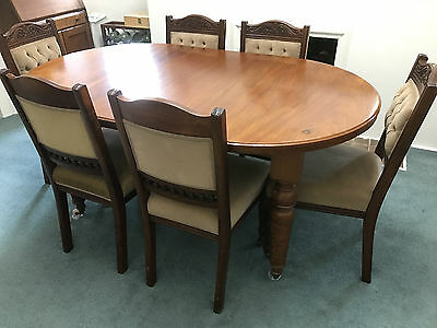 6 Chairs and Dining table