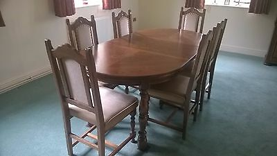 Wooden Dining Table and 6 upholsterd Chairs
