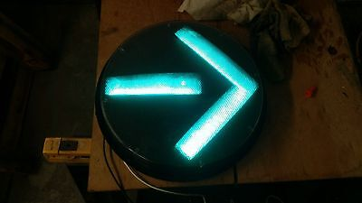 "GE 12"" Green Arrow 120V LED Traffic Light Stoplight low profile"