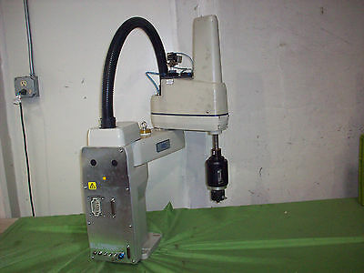 Adept Model 600 Table-Top Robot  (Arm Assembly Only)  *A*