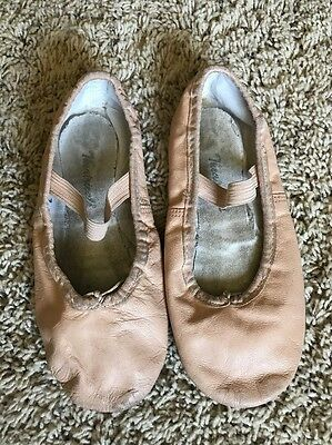 Girl's Youth Theatricals Pink Ballet Slippers Shoes Sz 2 M Nice!