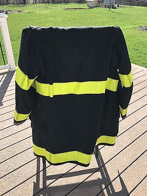 Globe Fire Fighting Turnout Coat Vintage 1990s