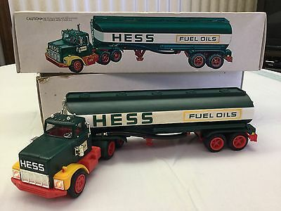 Vintage 1977 Hess Tanker Truck with Box., Inserts & Working Lights
