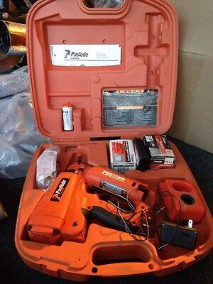 Paslode Straight 16-Gauge 6 Volt Finishing Cordless Nailer with Battery