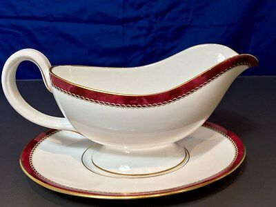 Royal Worcester Medici Ruby Salsiera - 045 + 046 - Sauce Boat & Stand - NEW