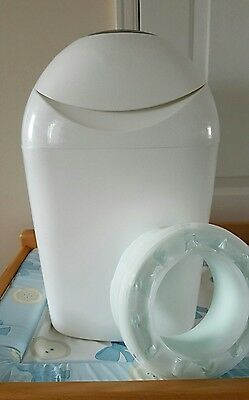 Tommee Tippee Sangenic Nappy Bin + 1.5 Refill Cassettes