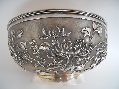 SIGNED ANTIQUE WANG HING 900 CHINESE HAND MADE BOWL CHRYSANTHEMUMS c 1890