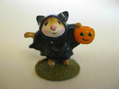 "Wee Forest Folk- M154- ""bat Mouse""-1987-Retired-Mint!"