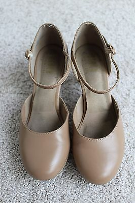 Bloch Flex Character Shoes size 7 1/2 B Nude with a 2 1/2 in heel