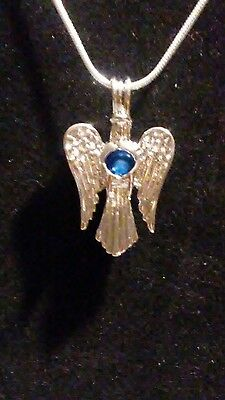 B41 Silver Plated Pearl Cage Angel Floating Perfumne Diffuser Locket