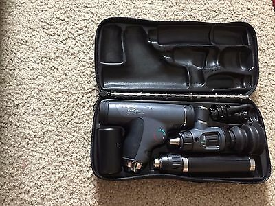 welch allyn diagnositic kit with panoptic ophthalmoscope 71900 lithium battery