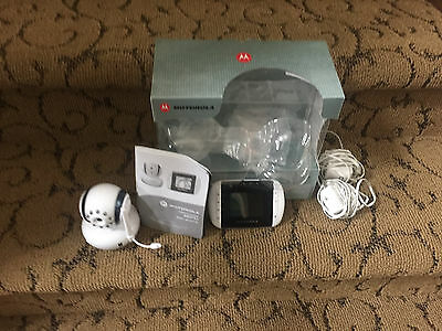 Motorola MBP33B  Wireless Video Baby Monitor Night vision microphone and music