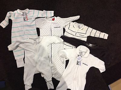 6x bonds wondersuits 0-3 months 4 x used and 2 x brand new