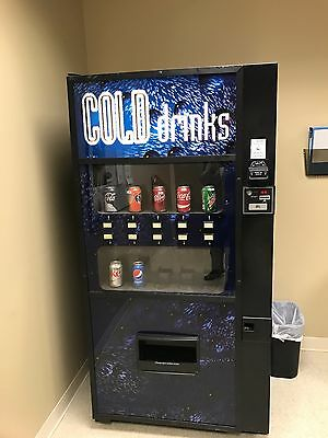 Used Royal 650 Drink Machine (10 Selection) - Vends Cans & Bottles