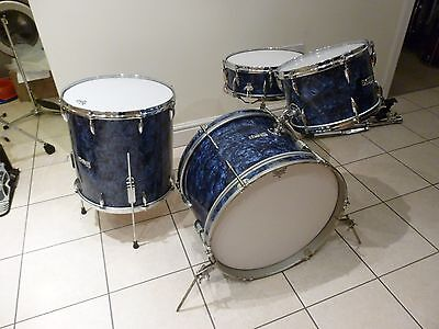 Edgware B & H  Vintage Drum Kit in blue pearl with matching snare drum