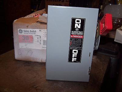 New Ge 30 Amp 2P Non-Fusible Safety Switch Nema Type 1 Indoor 240 Vac Th3221