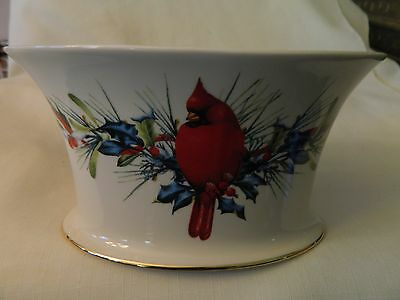 Lenox American Home Collection Winter Greetings Lg. Bowl - Red Cardinal -Pretty
