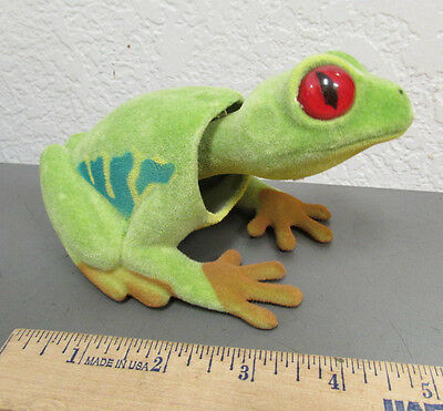 NEW fuzzy Green Tree Frog Bobble head, 6 inches long, very nice collectible