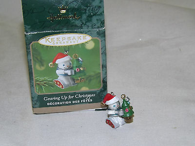 Hallmark Ornament - 2001 Gearing up for Christmas