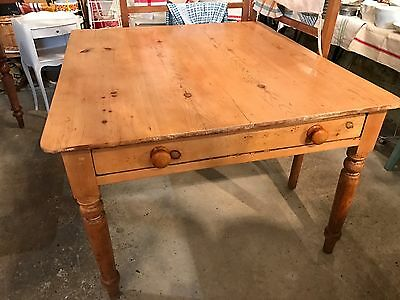 Antique victorian pine dining table with drawer