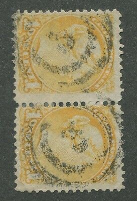 """Canada #35 Used Small Queen Pair 2-Ring Numeral Cancel """"3"""""""