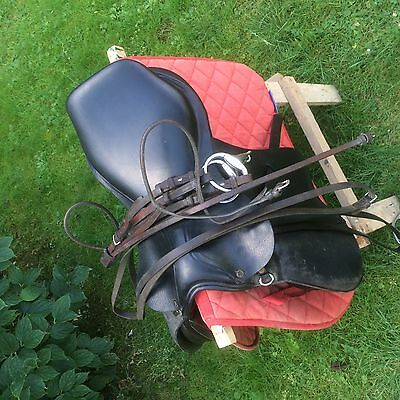 une selle anglaise taille cheval+accessoires