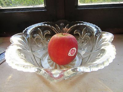 Fleur-De-Lys Petit Bol Verre Small Pressed Glass Bowl Art Deco Vintage