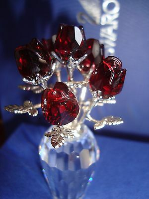 Swarovski Crystal Memories Red Roses with Rhodium stems 627098 NIB.