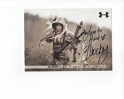 EVA SHOCKEY autographed 5x7 photo               GORGEOUS POSE IN CAMO HUNTING