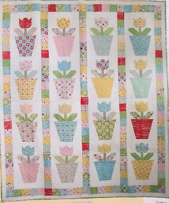 Tulip Pots - fun pieced quilt & pillow PATTERN - Lori Holt