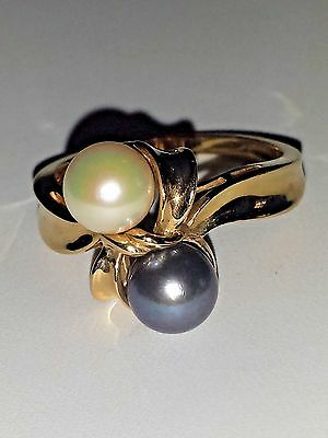 Gorgeous Vintage 14K Yellow Gold Tahitian and Cream Pearl Ring