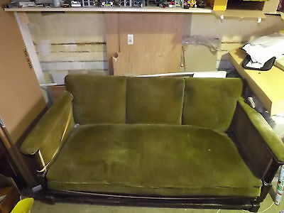 1930s VINTAGE RETRO STOUBY 3 SEATER GREEN VELVET AND MAHOGANY SOFA 1950s