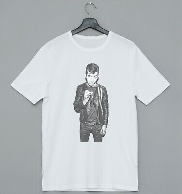 Cool Alex Turner Smoking Ideal Gift Present Retro Cool Unisex Mens Tshirt
