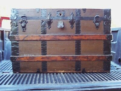 Antique Steamer Trunk Chest Wood Linen Ornate Metal Trim / Latches