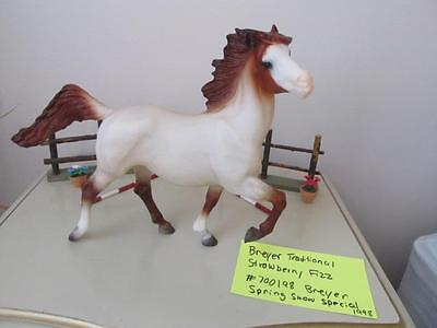 """Breyer """"strawberry Fizz"""" Traditional Spring Show Horse #700198 *mint* Retired"""