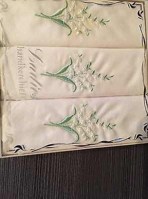 70's 1980's Box Set 100% Cotton Green Embroidered Bouquet 3 White Handkerchiefs