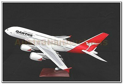 QANTAS A380  AIRBUS LARGE PLANE MODEL ON STAND APX 47cm 1:162  RESIN
