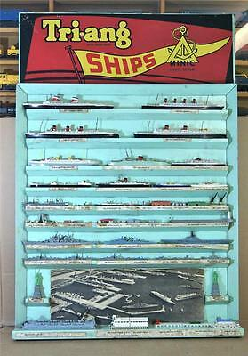 TRIANG MINIC SHIPS POINT OF SALE SHOP DISPLAY BOARD with SHIPS & ACCESSORIES mv