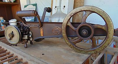 Antique Singer carpet sewing machine cast iron 35-1 1884 G. Grisel Hand crank