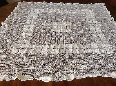 """Vintage Handmade Netted Lace Luncheon Tablecloth Doily Ivory 34"""" X 36"""""""