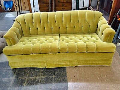 Simmons Hide-A-Bed Sofa Lot 123