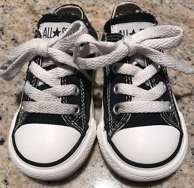 CONVERSE All Star Chuck Taylor Toddler Boy's 6 Black Canvas Low Lace Up Sneakers